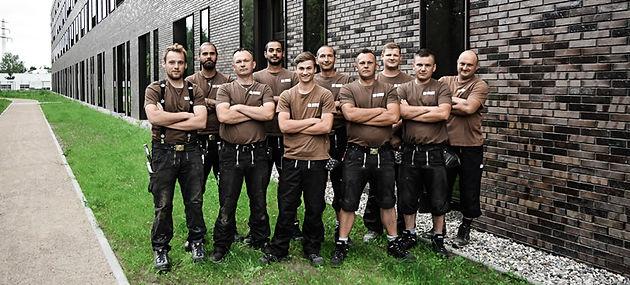 Dachdecker-Team ISOHAUS Bedachungen Hamb