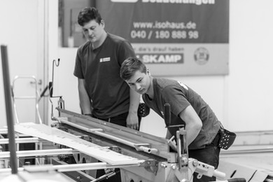 Ausbildung zum Dachdecker - Blechbearbeitung Bauklempnerei