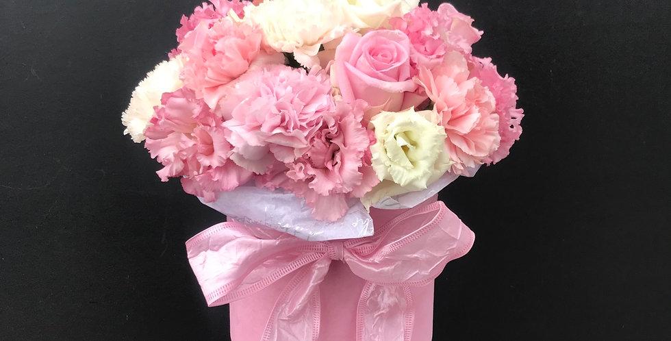 Velvet pale pink box