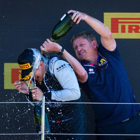 UNI-Virtuosi celebrate a successful home race weekend at Silverstone