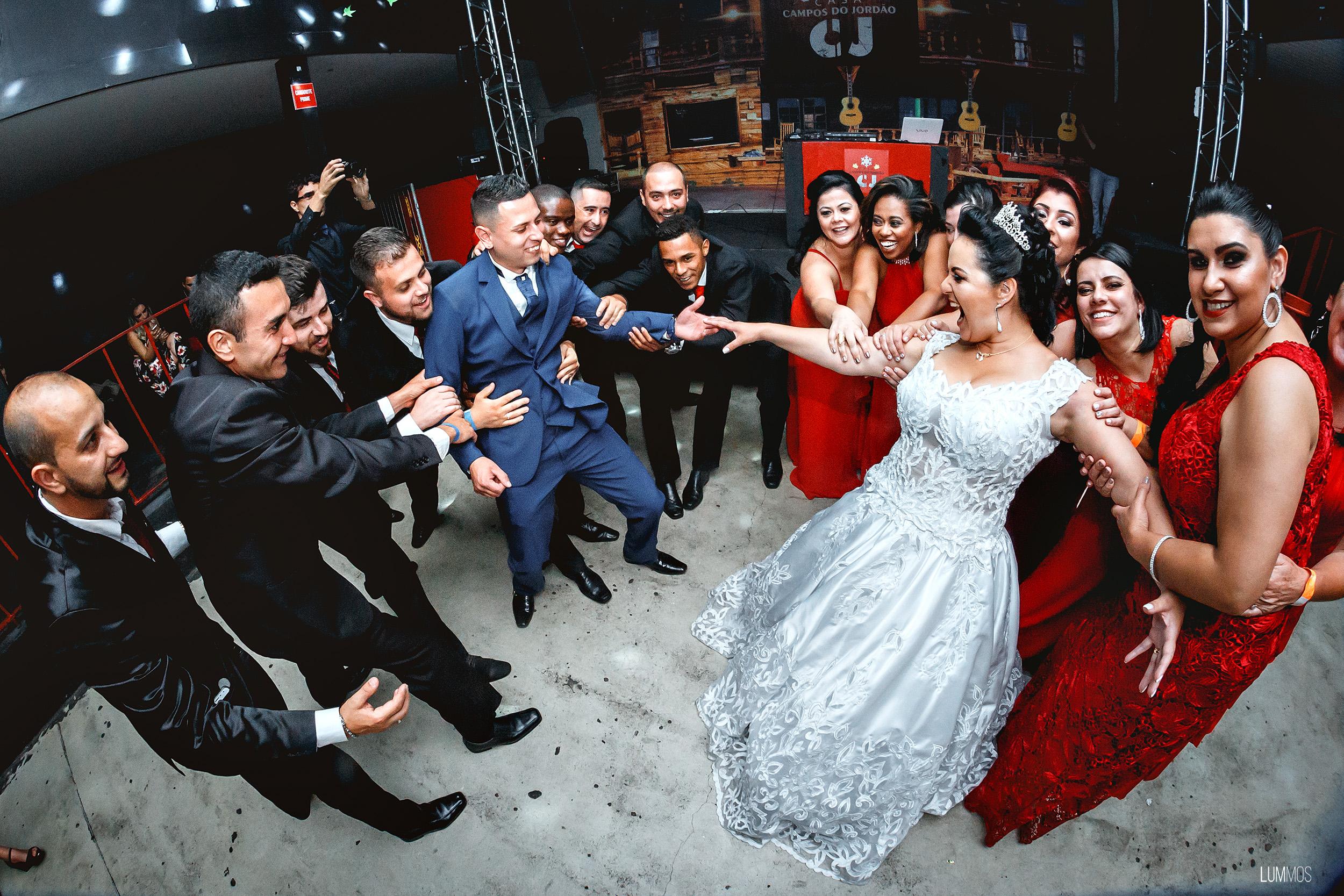 Festa de casamento na casa cj