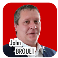 """John BROUET, 43 ans, responsable sécurité """"J'ai rejoint l'équipe Agir pour Le Thor en 2020 car je pense qu'il est importante de soutenir une équipe sérieuse, solide et compétente. Je souhaite m'occuper de l'urbanisme et des travaux pour la prochaine mandature et apporter mon savoir-faire à la collectivité."""""""