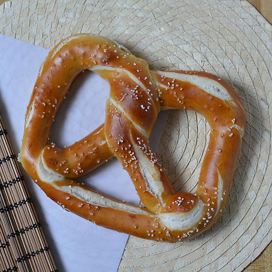 Rays Pretzels Medium Bavaria Bagel_03.jp