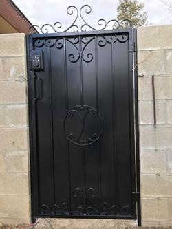 Side Gate (1)