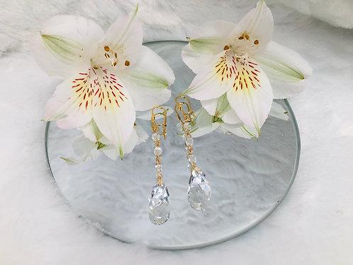 Clear crystal dangle earrings