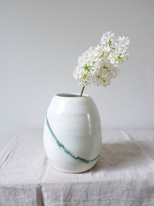 Seismic Wave Egg Vase