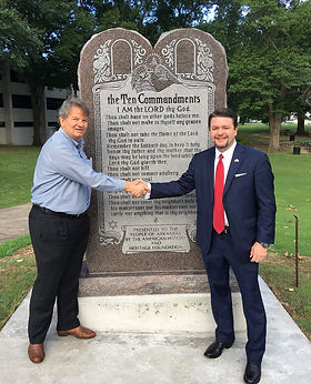 ArkansasMonument2017two.jpg