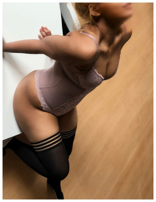 Alyia - New Blonde Asian Escort