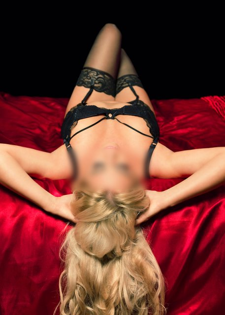 Belle Stunning Blonde Escort