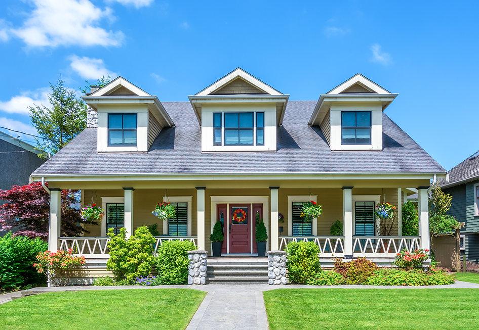 Luxury house on a sunny day..jpg