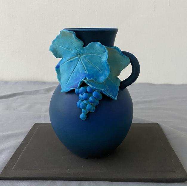 碧い葡萄の花器