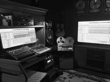 studiobw.jpg