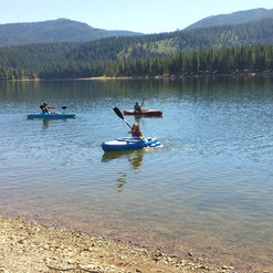 Kayaking Lake Siskiyou
