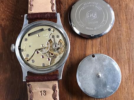 When did Smiths change the cruciform on their Aquatite watches?