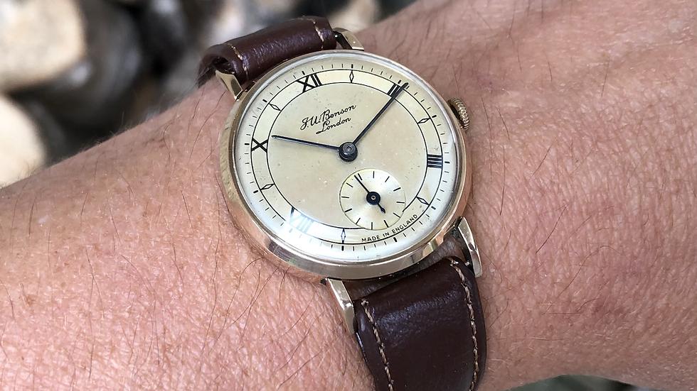 J W Benson/Smiths 1954 9ct gold watch