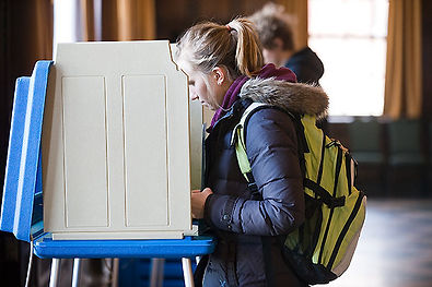 Student-voting2.jpg