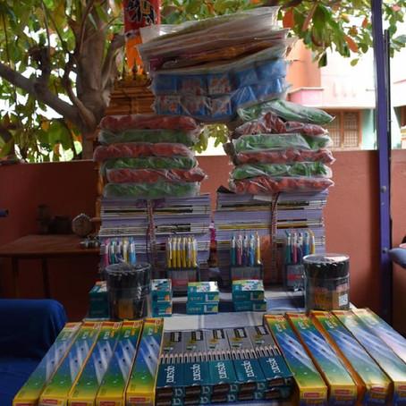 Collecte pour l'Inde, Première étape de la distribution fournitures scolaires au village Mashar !