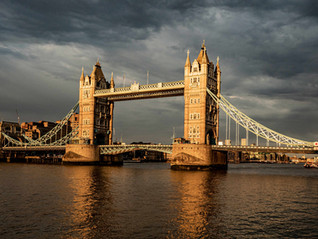The London Bridge and the storm.