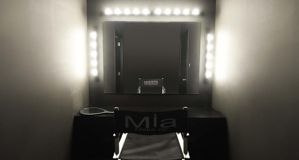 Mia Make-Up
