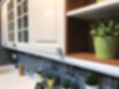 Кухни с крашенными фасадами