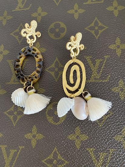 Orecchini artigianali 🐚 e nappine