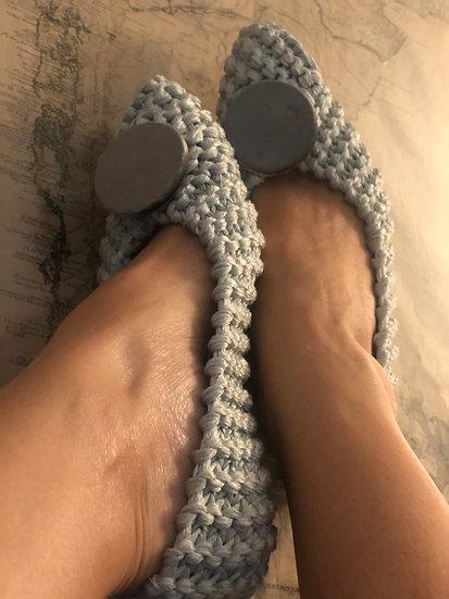 Pantofole uncinetto raso azzurro tenue