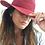 Thumbnail: Cappello in raffia rosso