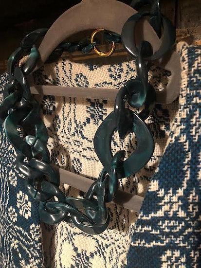 collana resina verde scuro chiusura dorata