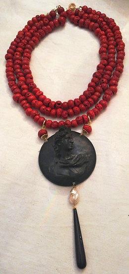 Collana radice di corallo e ciondolo nero/perla