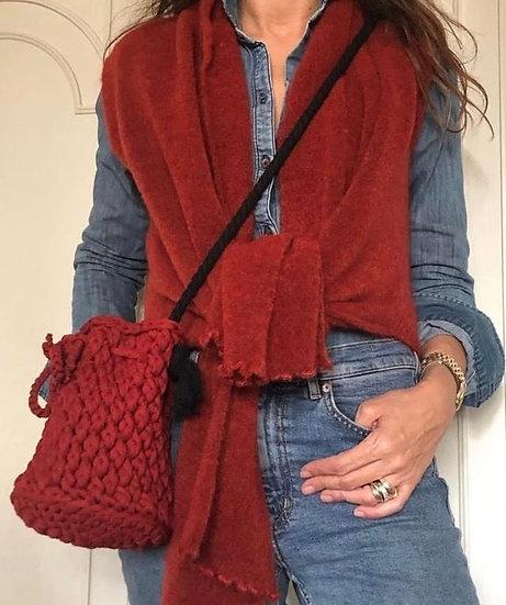 gilet rosso legato in vita in lana merinos e mohair