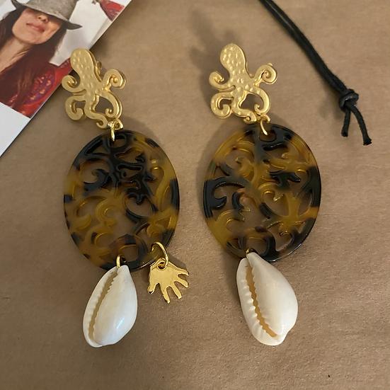 Orecchini resina, galvanica oro e conchiglie