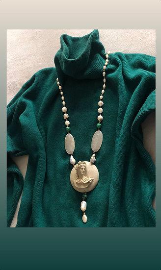 Collana artigianale pietre dure e resina