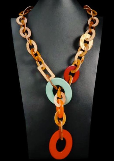 collana lunga in resina ecologica