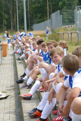 Fußballcamp_Tag 2_Profibesuch (8).JPG