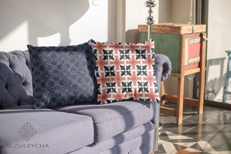 mockup-of-two-pillows-lying-over-a-comfo