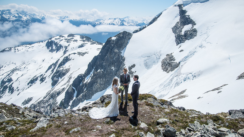 elopement by helicopter in Whistler