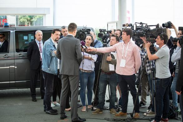 Minister-press-conf