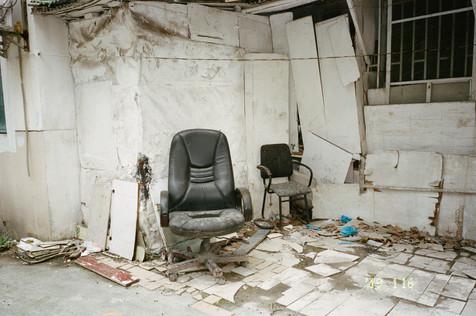 chairs003.jpg