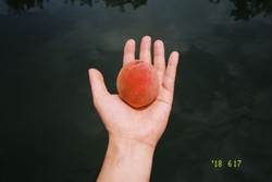 one-hand011