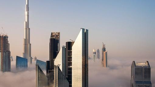 Dubai%2520cloud%25201_edited_edited.jpg