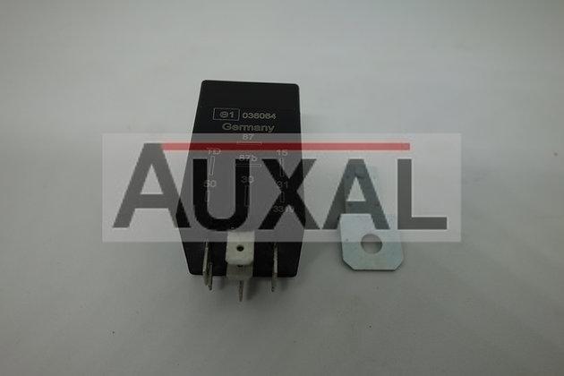 Relais pompe à essence 205 GTI