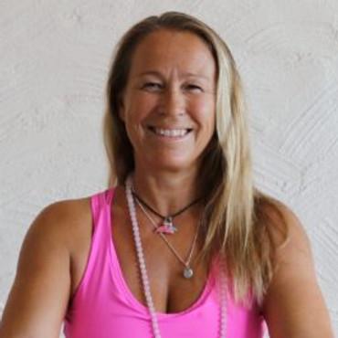 Yin & Yang yogalærer utdannelser/Yin yogalærer utdannelse med Ina Løvdal
