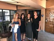Las Sommerliers Pilar Meré, Sandra y Gilda Olsen con Yolanda antes de la Noche de Cofradía
