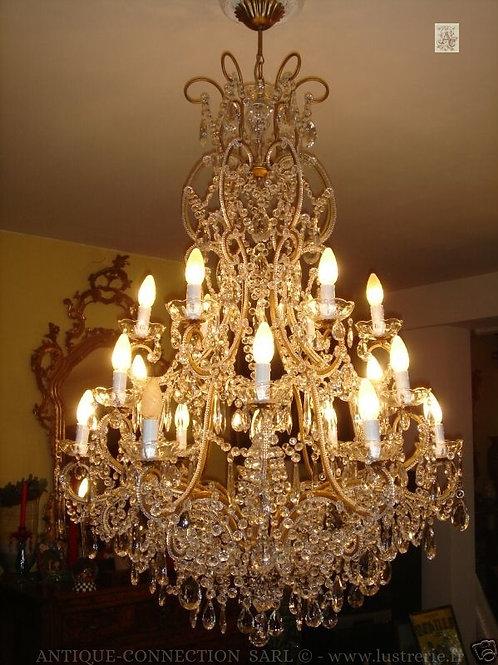 Lustre à pampilles avec 19 lumières Ø 80 cm.