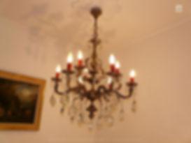 lustre ancien en bronze et pendeloques de cristal