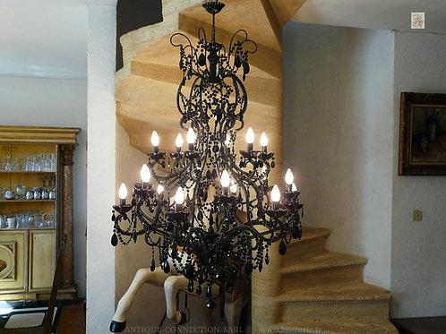 Grand lustre Noir avec 18 lumières sur 3 niveaux !
