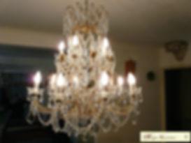 lustre en cristal ou verre à pampilles