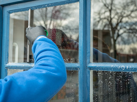 6 Tips For Cleaning Windows Like a Pro