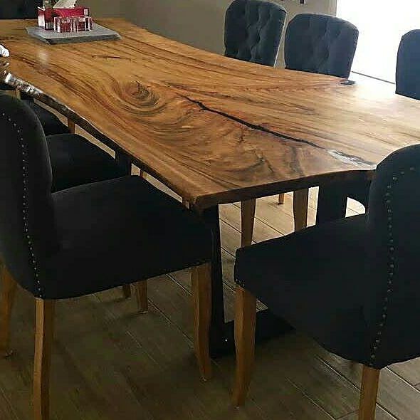Camphor dinning table made by Go Natural Timbers