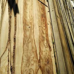 Some beautiful timbers at Go Natural Timbers _#timberslabs #timber #camphor